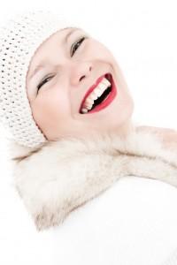 smiling_winter_girl_201107